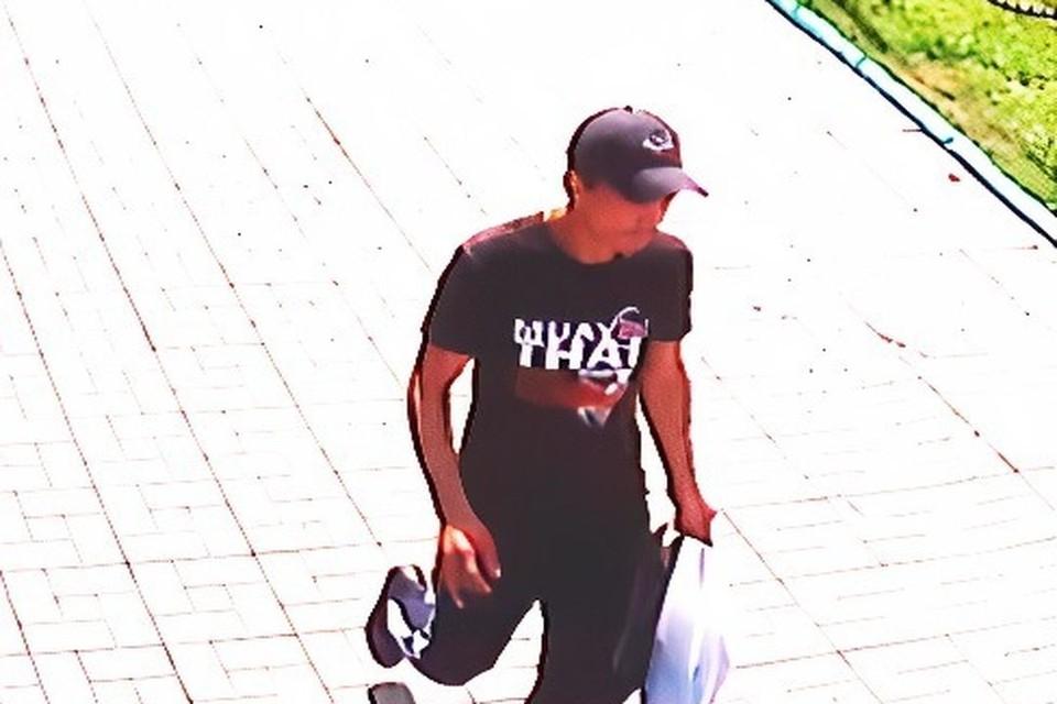 В Новосибирске следователи ищут мужчину, укравшего телефон у подростка. Фото: СУ СКР по НСО