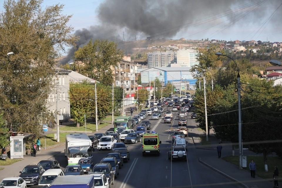 Фото пожара на Дорожной в Красноярске 14 сентября 2021 публикуют очевидцы