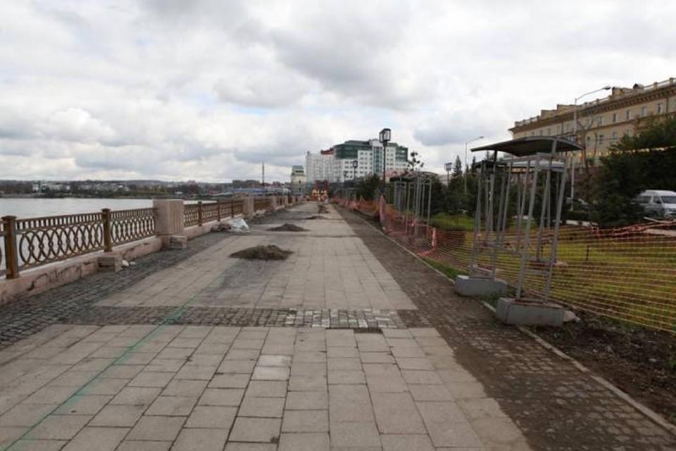 Нижнюю Набережную в Иркутске планируют благоустроить к началу октября. Фото: Пресс-служба администрации Иркутска.