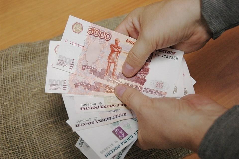 За кражу денег из кассы мужчине грозит до шести лет лишения свободы