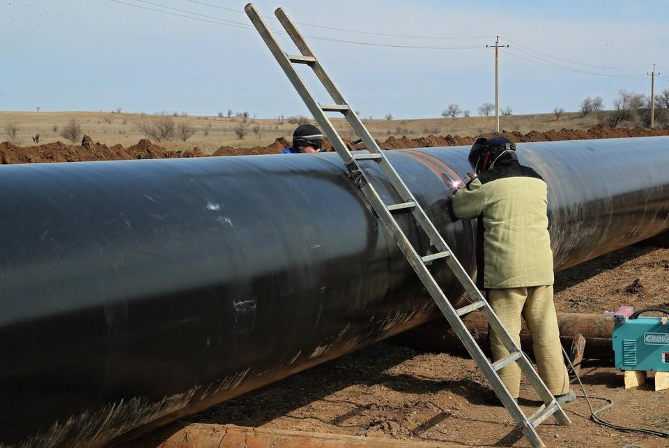 Водовод от Бештерек-Зуйского месторождения ввели в строй в марте. Фото: Пресс-служба главы РК