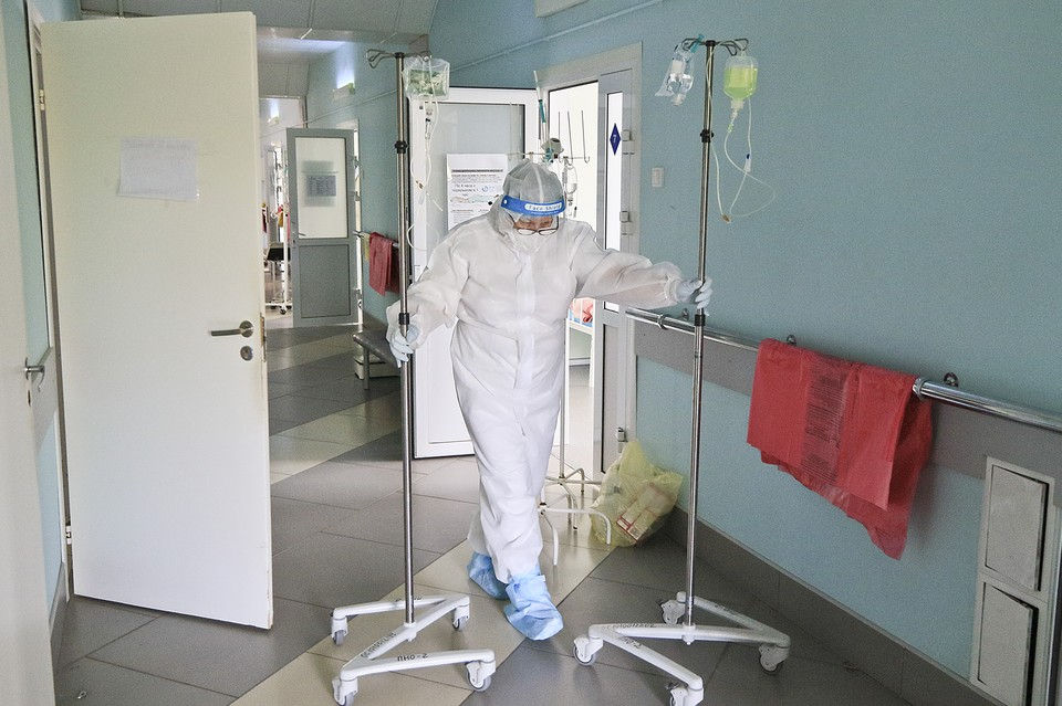 В стационарах сейчас лечат 3555 пациентов