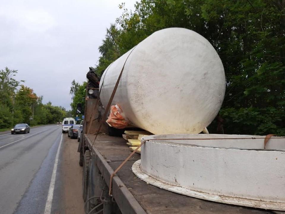 В контейнерах перевозили тела иностранцев Фото: Фото: facebook.com/dkvasnikov