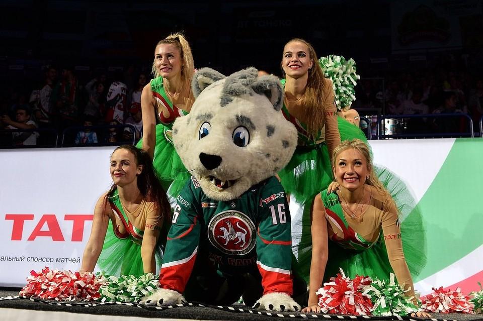 Вместе с Bars Angels на стадионе появятся и сочинская группа поддержки Sochi Queens. Фото: Группа Bars Angels во ВКонтакте