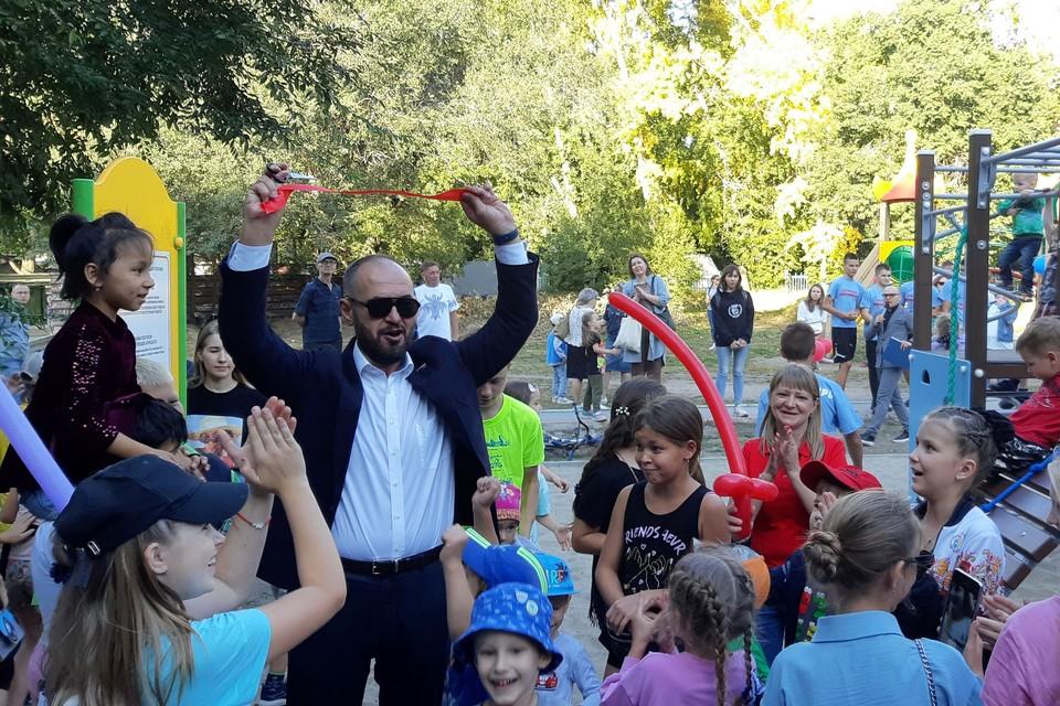 Дети были в восторге от праздника и новой площадки.