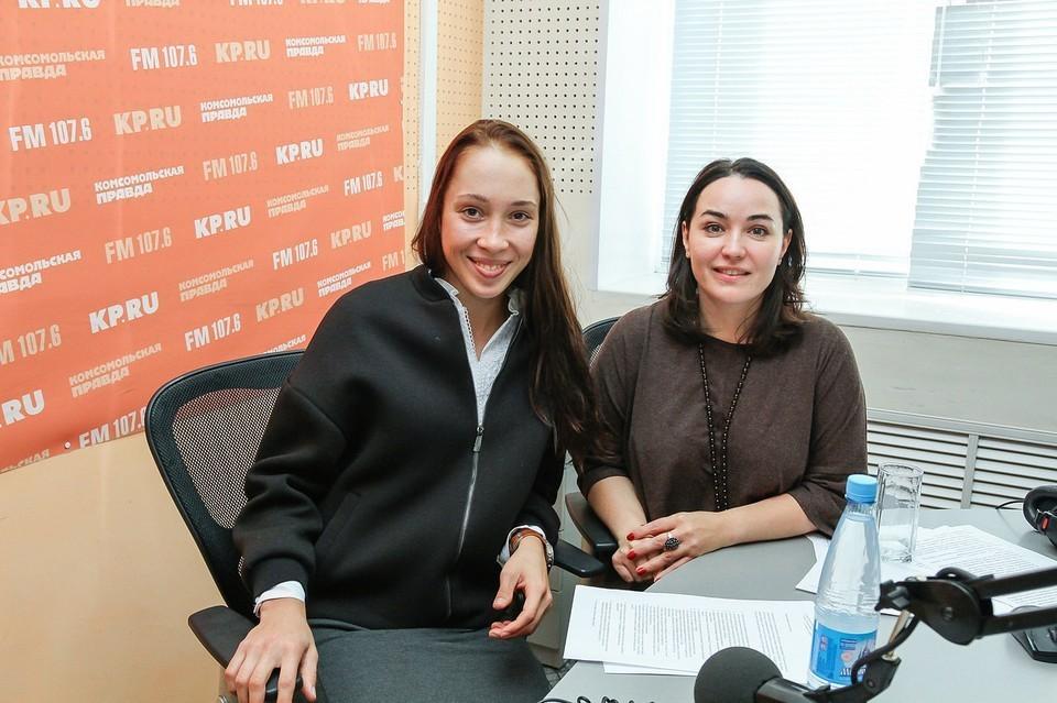 Ульяна Кайшева (слева) на радио КП -Ижевск.