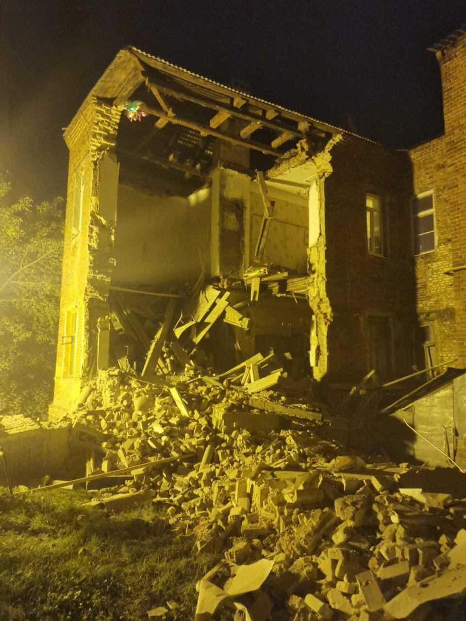 Жителей расселили только после того, как дом обрушился