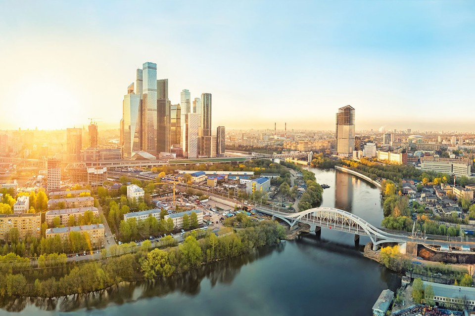 Выпуск «зеленых» облигаций Москвы (74-й выпуск государственных облигаций города) 15 сентября 2021 года включен в информационную часть Списка ценных бумаг Люксембургской биржи.