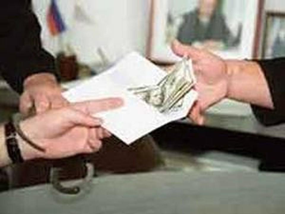 Главу Зарайского района будут судить за взятку