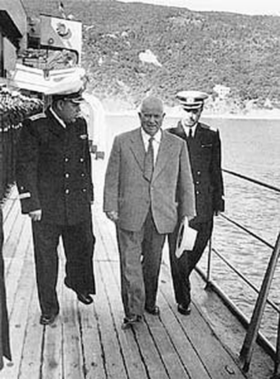 Прошло пять лет. Хрущев на учениях Черноморского флота. 1959 год.