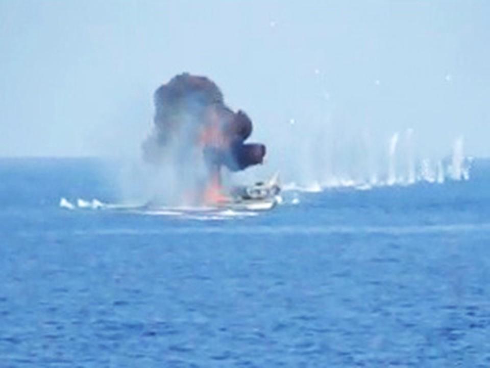Моряки затопили несколько пиратских лодок