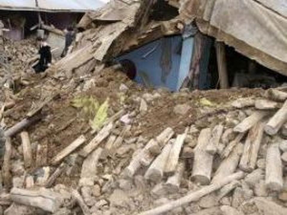 Жертвами землетрясения стали 575 человек