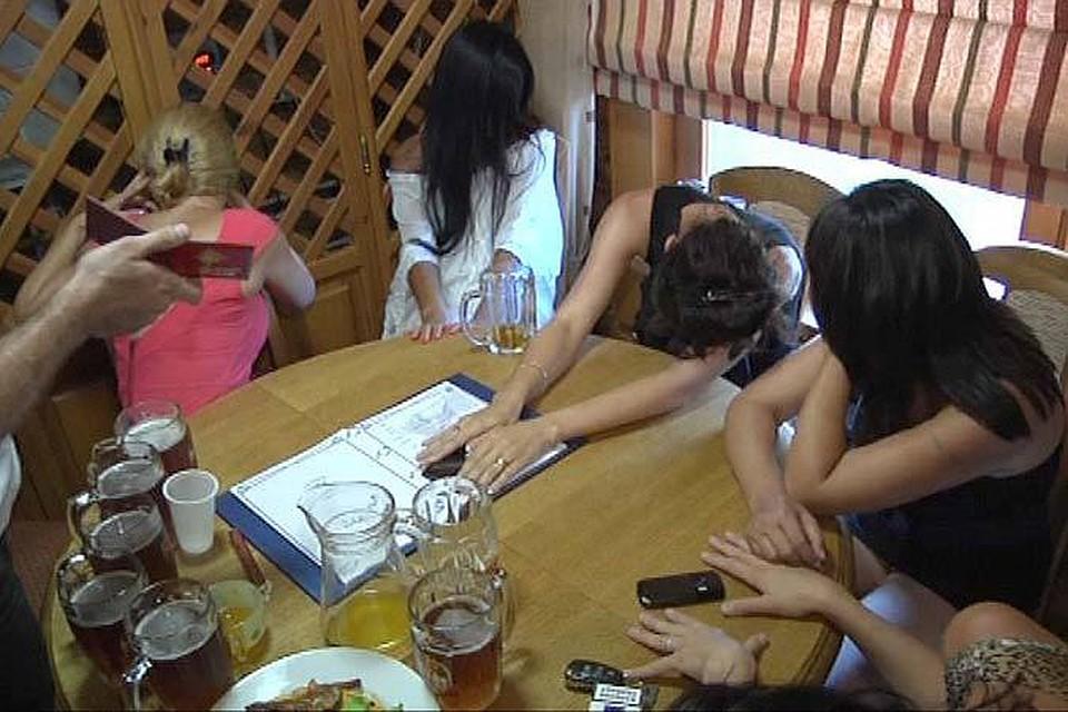 foto-grecheskih-elitnih-prostitutok-trahnul-bar-pali