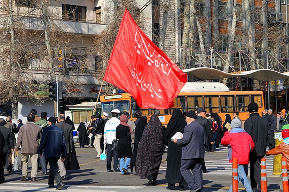 В Иране воспринимают это день как праздник национальной гордости