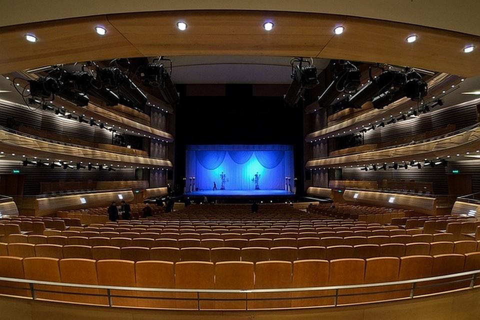 """Мариинский театр показал фото второй сцены изнутри """"петербур."""
