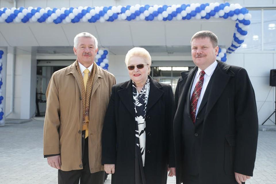 На фото (слева направо): Янош Болдог, Ася Одобеску и Матяш Силади.