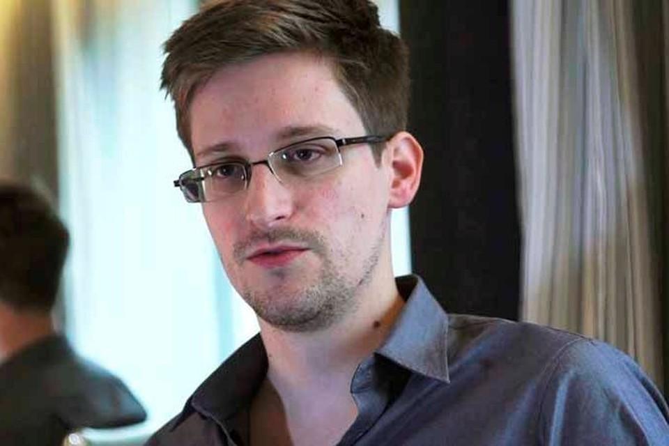 Сноуден исчез. На прощание он подарил компании «Аэрофлот» полную под завязку загрузку рейса «Москва-Гавана»
