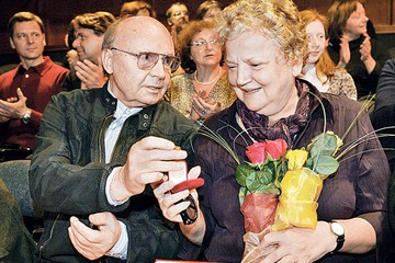 Мягков целовал Брыльскую только из чувства служебного долга