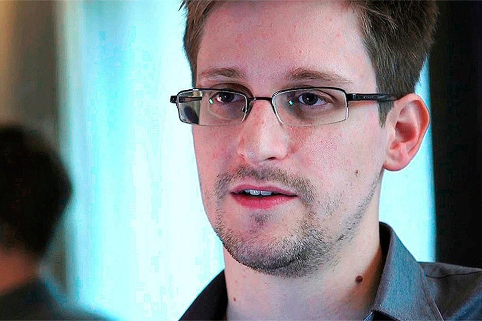 Сноуден еще посидит в «Шереметьево»