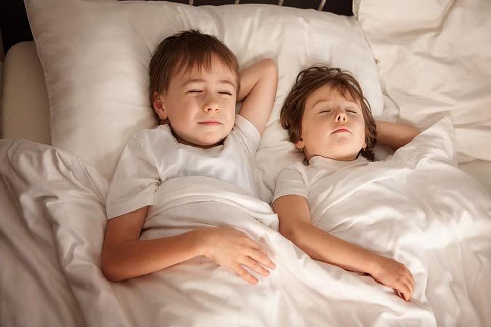 Порно Брат С Сестрой Спящей Красавицы