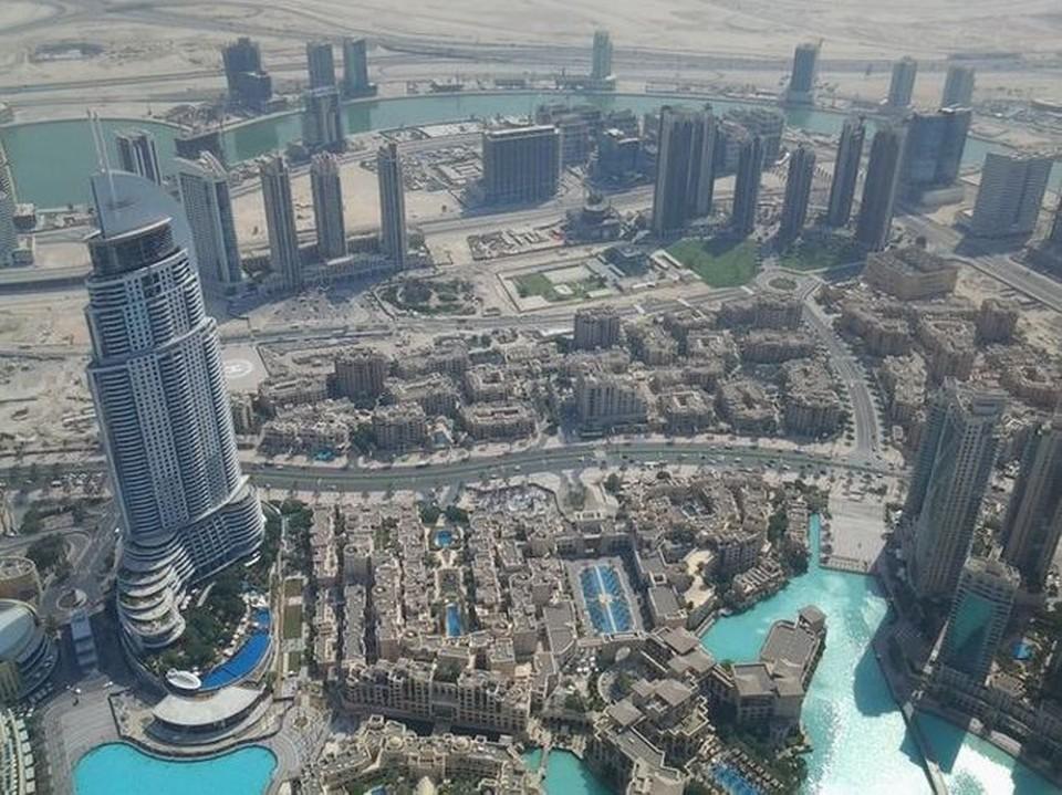 Такой вид на Дубай открывается с Бурдж-Халифы