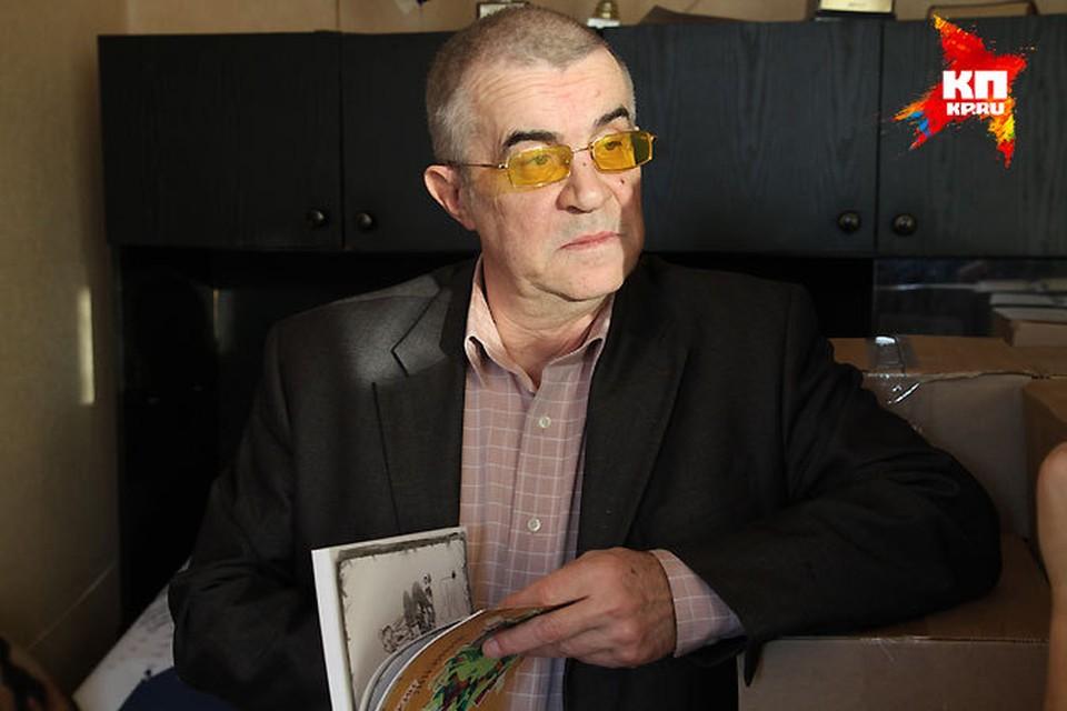 Александр Попов успевает регулярно посещать суды и продолжает руководить своей необычной школой