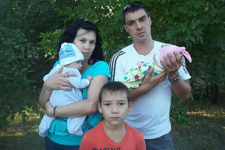 Лена победила рак и родила двойню.