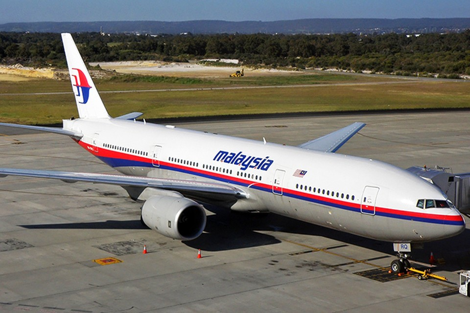 Пропавший Boeing, предположительно, рухнул в море