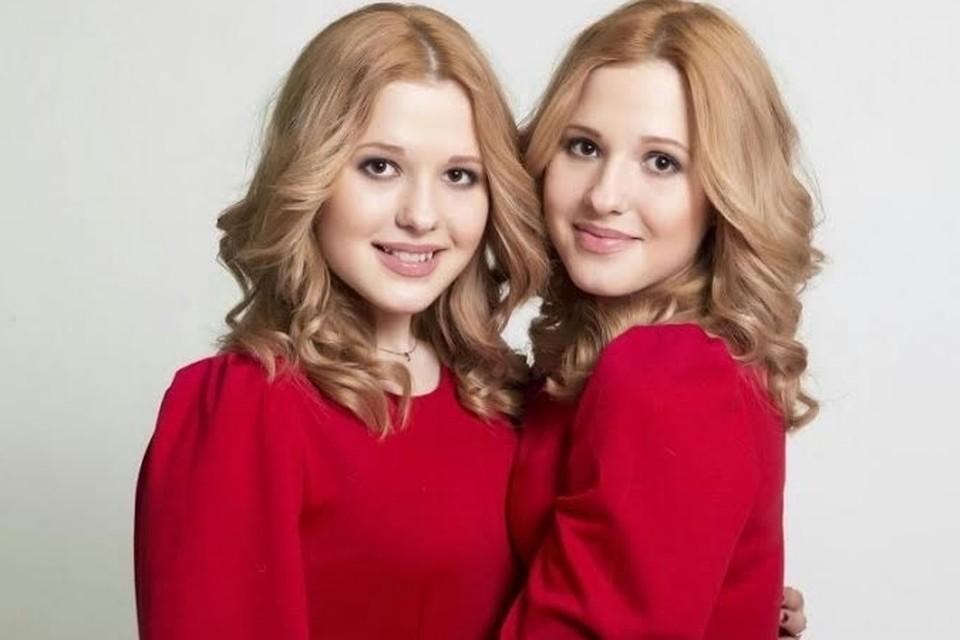 Песню Shine («Сияй») сестры Толмачевы споют на английском языке.