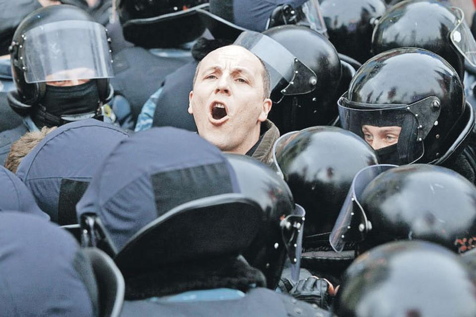 Андрей Парубий активно митинговал, но фигурантом  уголовного дела сталне за митинги, а за устроенную в Раде потасовку.