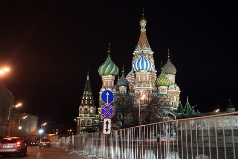 7 самых оригинальных прогулок по ночной Москве 0c40fbc4945