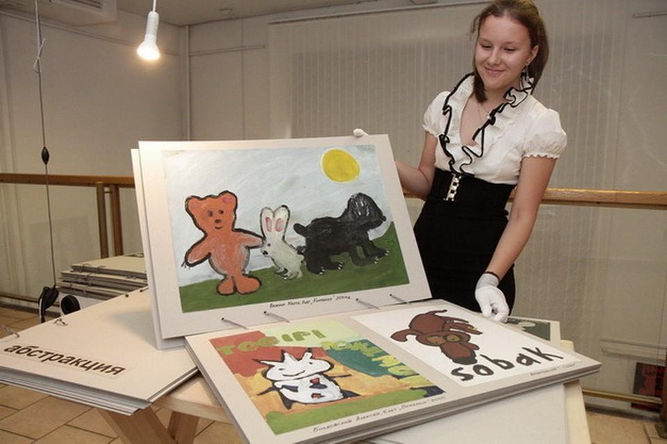 Все авторы произведений на выставке «Искусственный отбор» - воспитанники детской арт-студии Wostrau