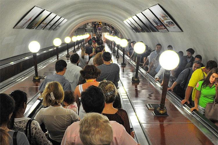 Новосибирцы отрабатывали экстренное торможение в метро.