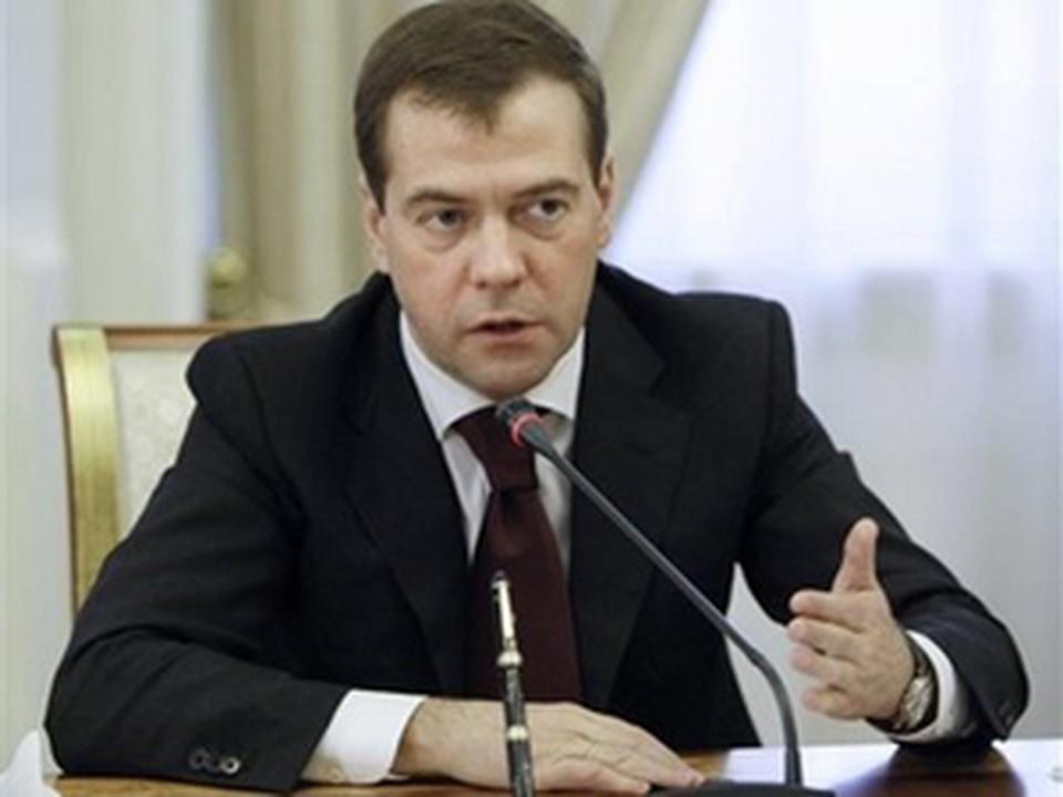 """Дмитрий Медведев стал гостем программы """"Вести в субботу"""", которая была целиком посвящена медицинской теме и проблемам здравоохранения в России."""