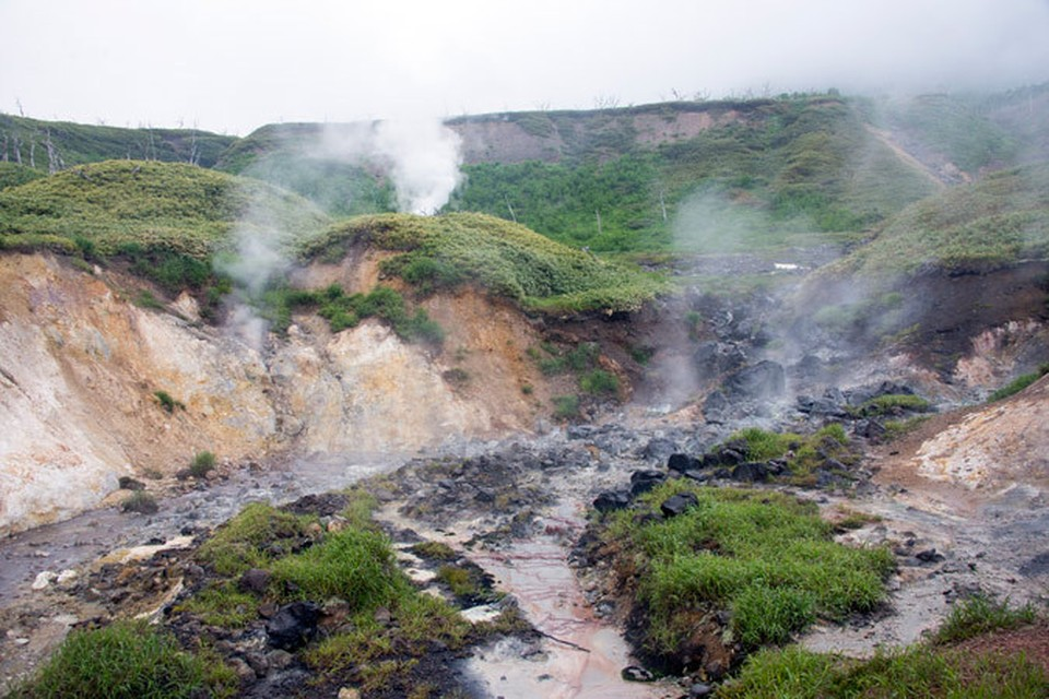 Главное отличие Итурупа от других островов, на которых мы уже побывали, в том, что здесь живут люди.