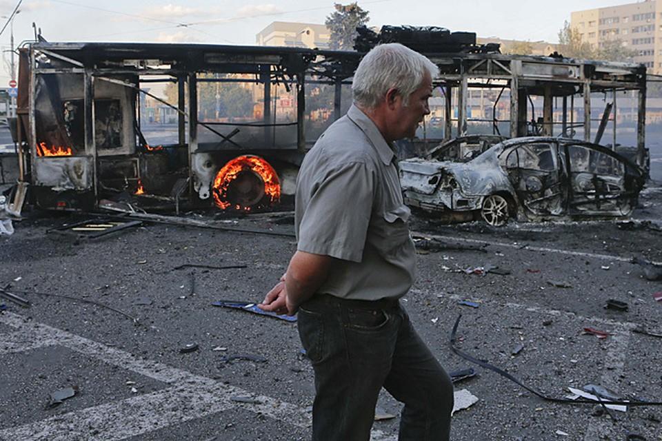 Донецк вновь обстреляли