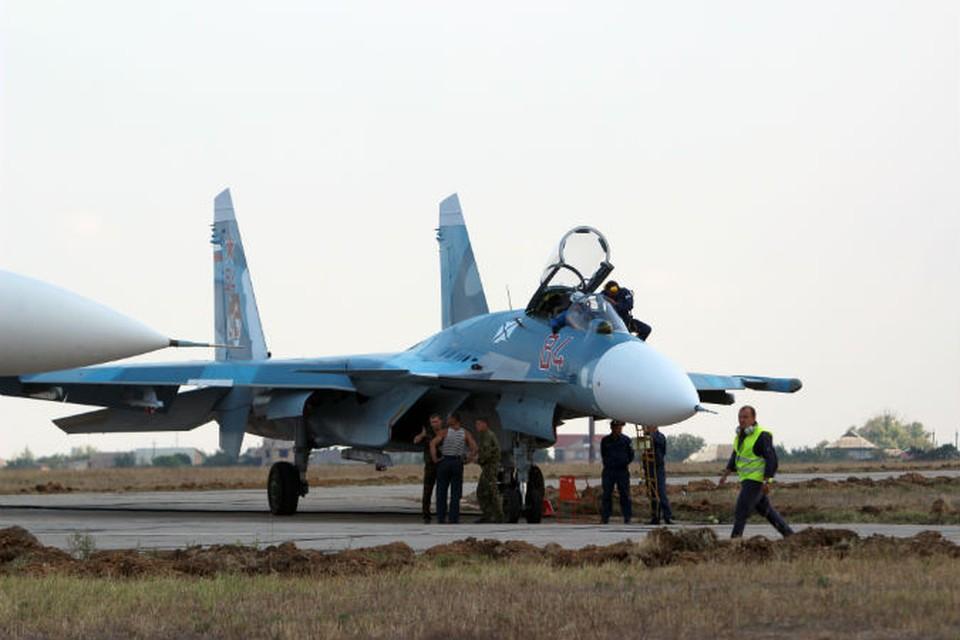 На полигоне НИТКА уже стоят фронтовые бомбардировщики. Фото: Юрий ЛАШОВ