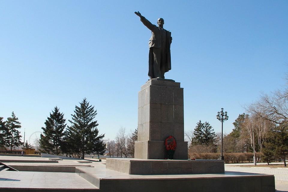 Памятники ярославль ленина 59 памятник на могилу иркутск