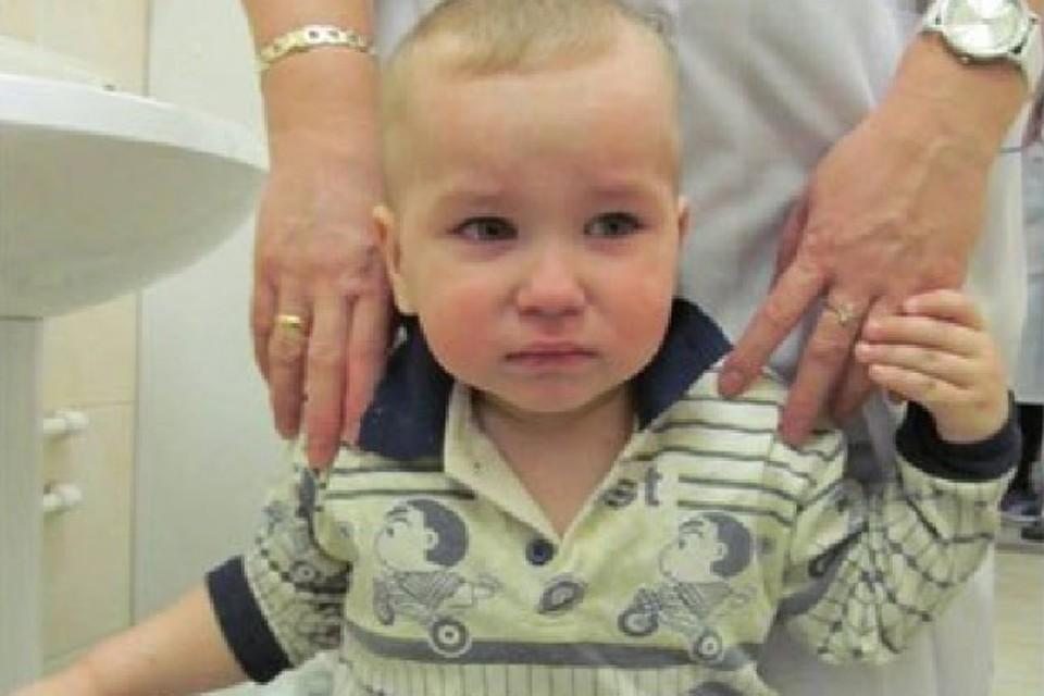 Мальчик почти две недели провел в больнице, пока искали его родителей.