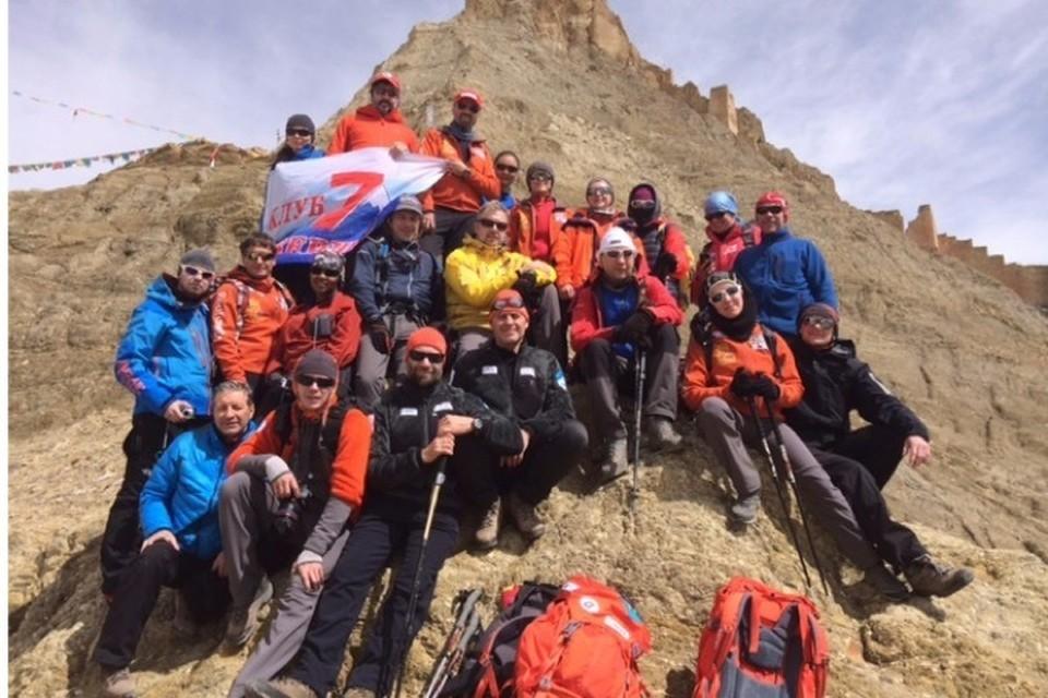 """Фото группы Абрамова, которая сейчас находится на Эвересте. Фото клуба """"7 вершин""""."""