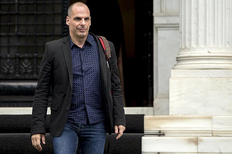 Эпатажный глава минфина, который, по сути, и стал одним из драматургов нынешней греческой трагедии, вдруг ушел в отставку