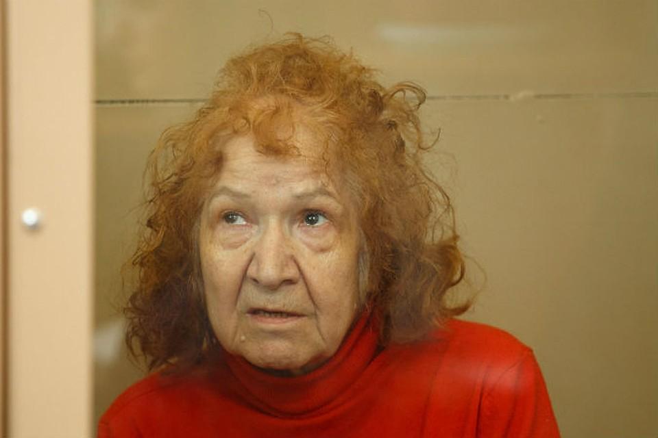 Бабка взяла за щеку фото 627-89
