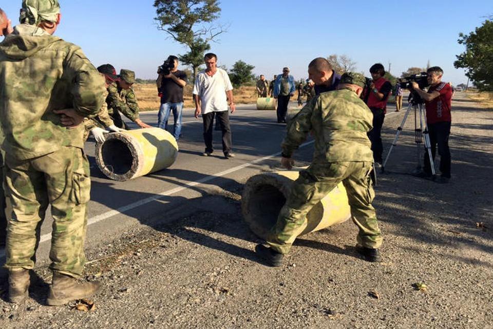 Границу блокировали бетонными тумбами. Фото: Facebook\Valeriya Ivashkina