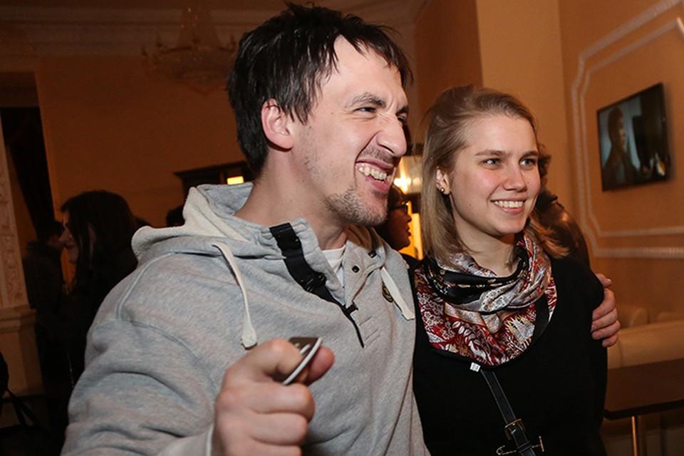 Артур и Дарья тайно связали себя узами брака два года назад