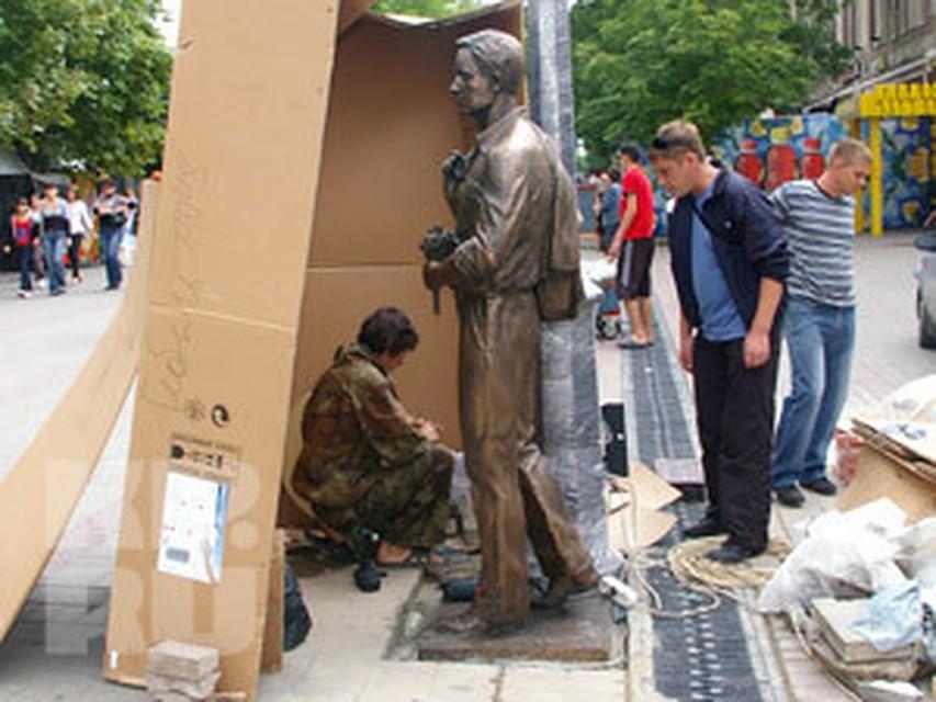Памятники фото и цены саратов ш цена на памятники москва Новый Уренгой