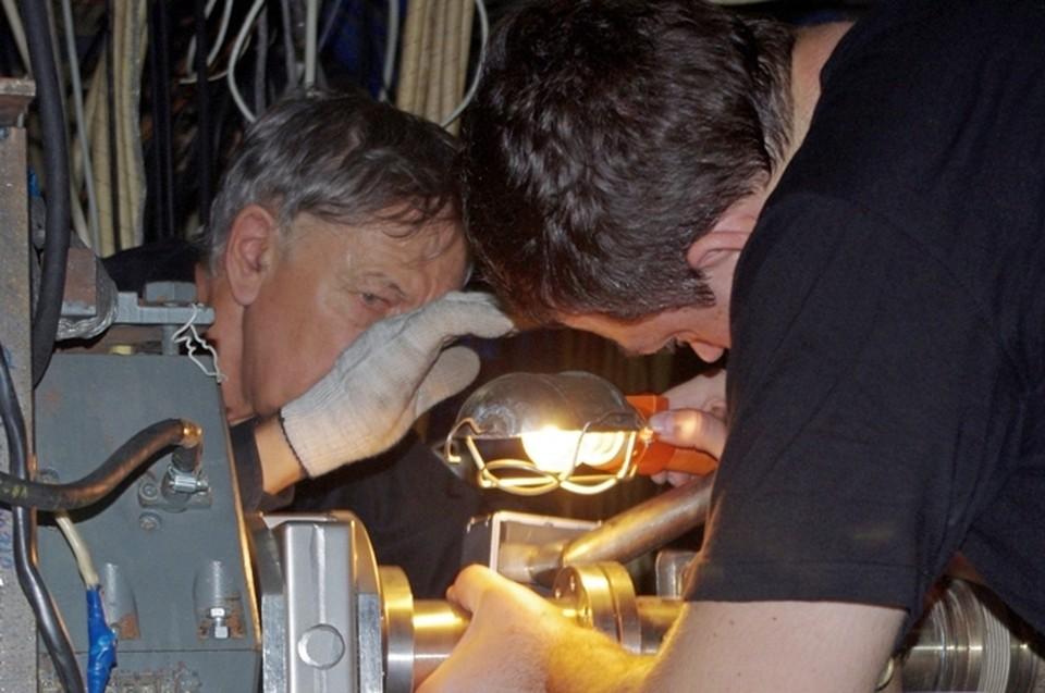 Подготовка эксперимента. Фото: пресс-служба ИЯФ СО РАН
