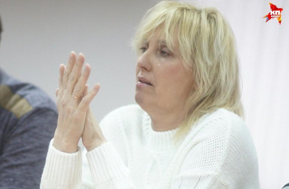 Представители фотографа и теща Лошагина спорят по поводу денежной компенсации морального вреда.