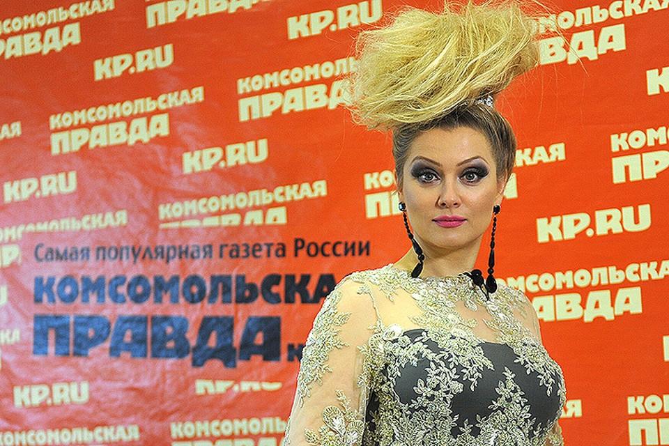 Известная бизнес-леди, писательница и фото-модель решила переехать из надоевшего ей Парижа обратно в Москву