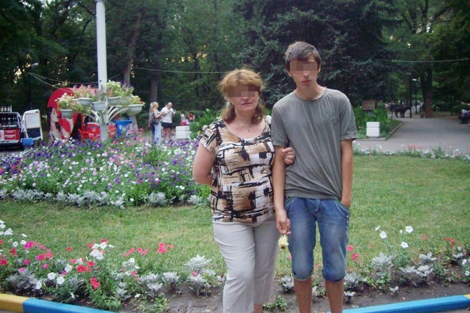 Мать души не чаяла в Алексее