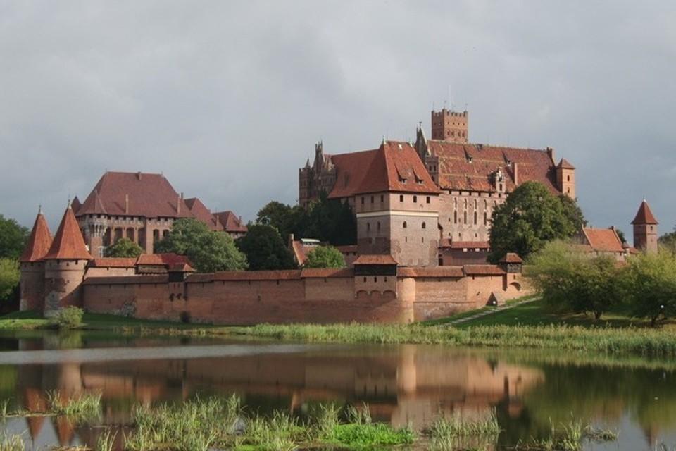 Есть версия, что тамплиеры переправили Ковчег Завета в замок Мариенбург (современный Мальборк на территории Польши).